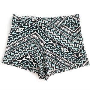 Black & Mint Green Printed Medium Waist Hot Pants